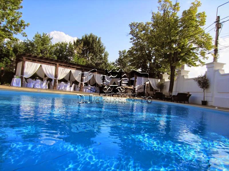 Cununie la piscina Salon du Mariage alaturi de DJlaPetrecere.ro - 1